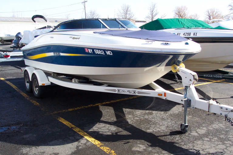2006 SEA RAY 195 SPORT W/ 4.3L MERC V6 I/O & TRAILER