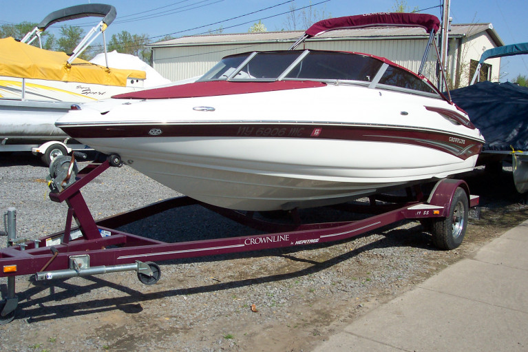 2007 CROWNLINE 195 SS W/ 4.3L V6 MERC I/O & TRAILER
