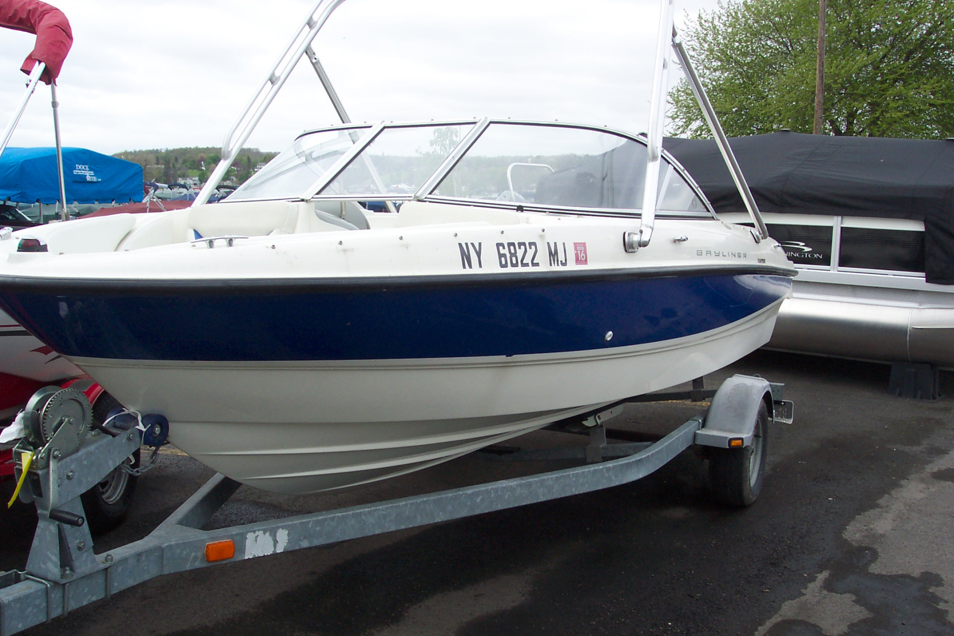 2006 18 Bayliner Open Bow W Tower Merc I O Trailer