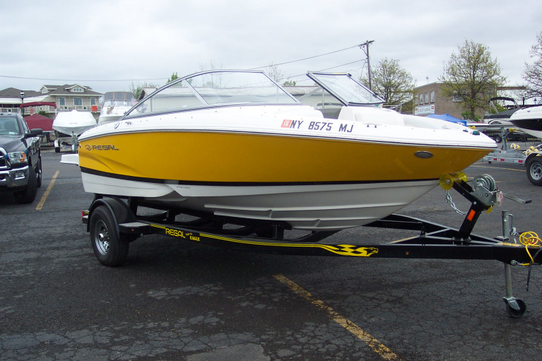 2013 REGAL 1900 W/ 4.3GI VOLVO PENTA & TRAILER