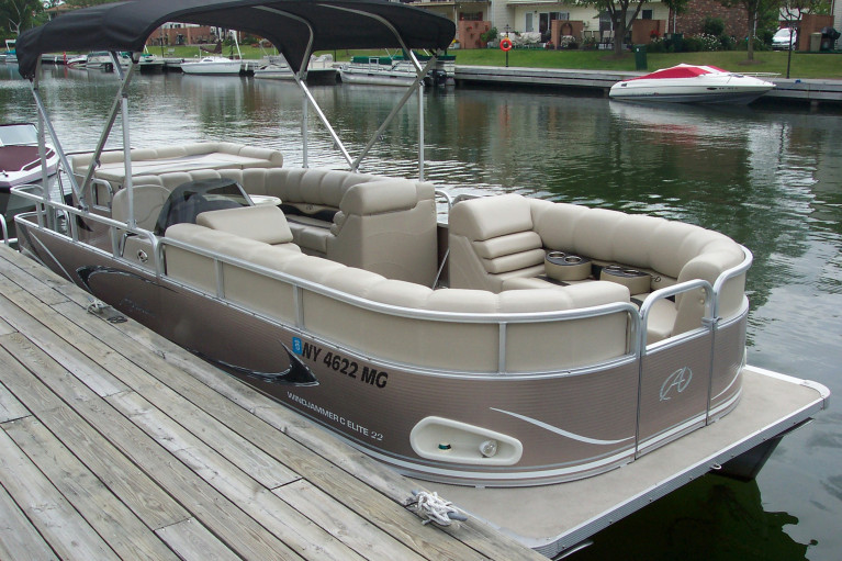 2009 AVALON 22' PONTOON W/ MERCURY 4-STROKE O/B