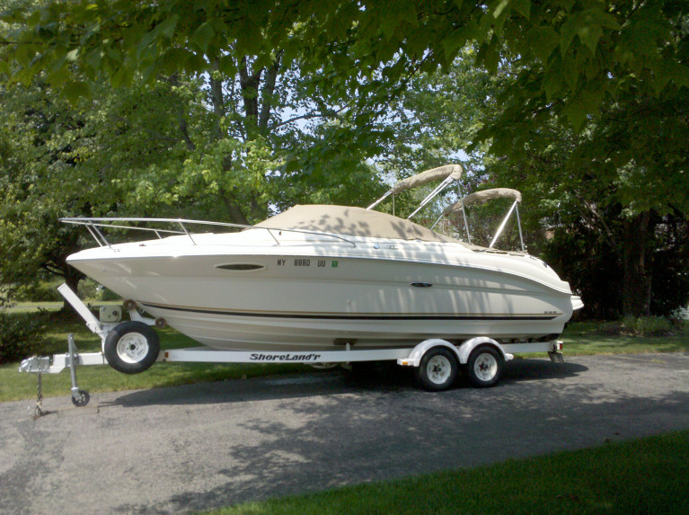 2001 22' SEA RAY WEEKENDER CUDDY W/ 5.0L MERC 220 HP I/O & TRAILER