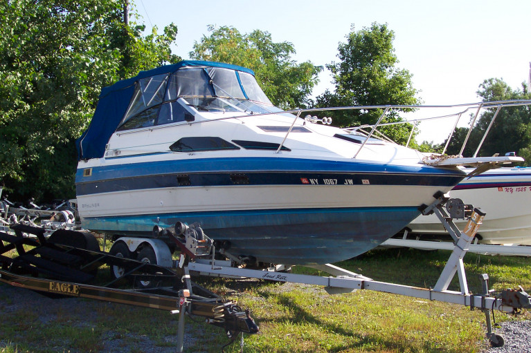 1988 BAYLINER 2455 SUNBRIDGE