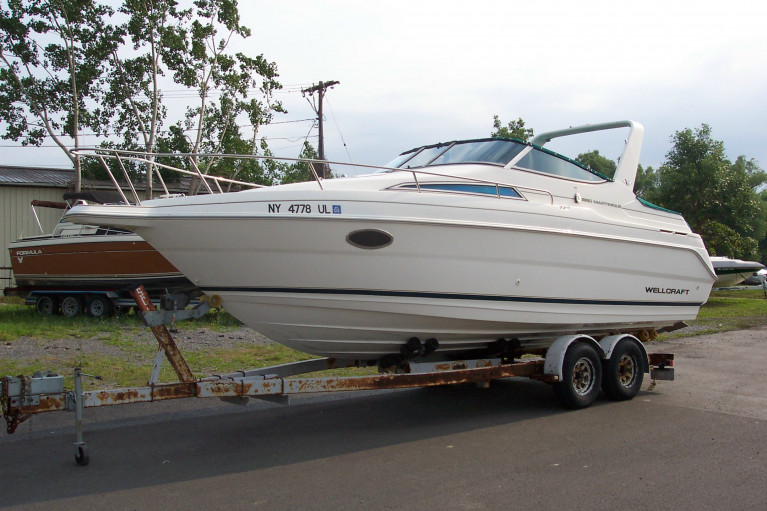 1996 WELLCRAFT 26 MARTINIQUE