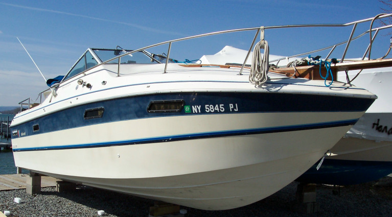 1983 WELLCRAFT 255 AFT