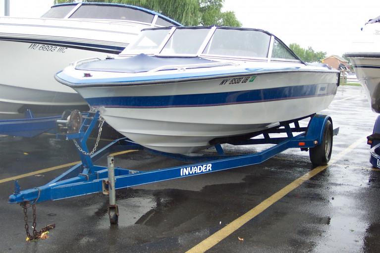1992 INVADER V190 ELAN