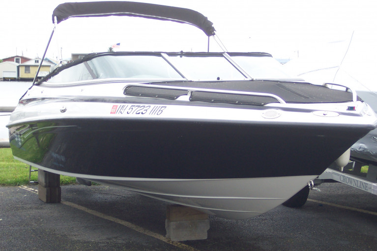 2005 CROWNLINE 202 BR