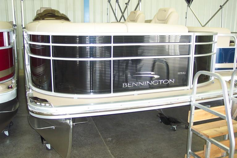 2010 BENNINGTON 2275 RLCI