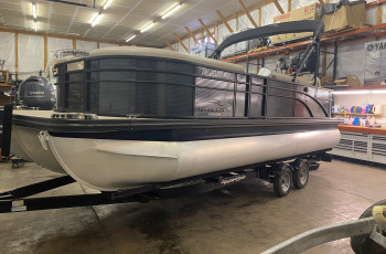 2019 BENNINGTON 23SBRXP W/ YAMAHA F150 O/B AND YA/CL TANDEM TRAILER