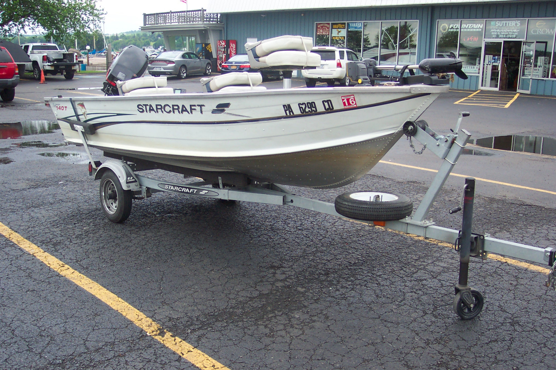 1999 14' STARCRAFT ALUMINUM FISHING BOAT W/ NEWER 25 HP MERCURY 4