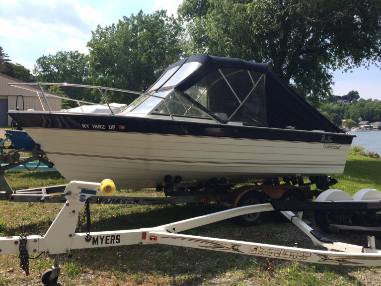 1996 PENN YAN CLOSED BOW W/ MERC 3.0L 135 HP 4-CYL. I/O W/ TRAILER