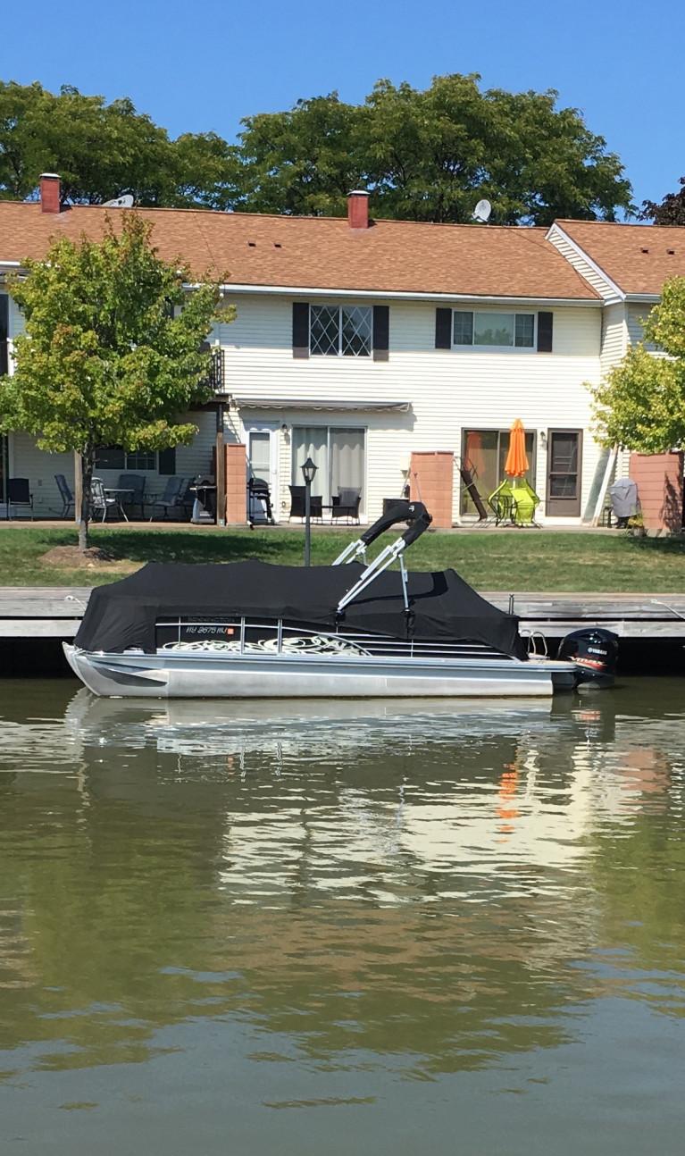 2012 BENNINGTON 2275 RCW W/ YAMAHA F250 4- STROKE O/B
