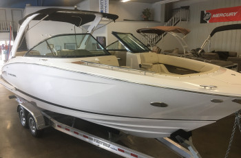 2019 REGAL 2800 BOW RIDER W/ VOLVO V8 380 DP CAT EVC G5 I/O
