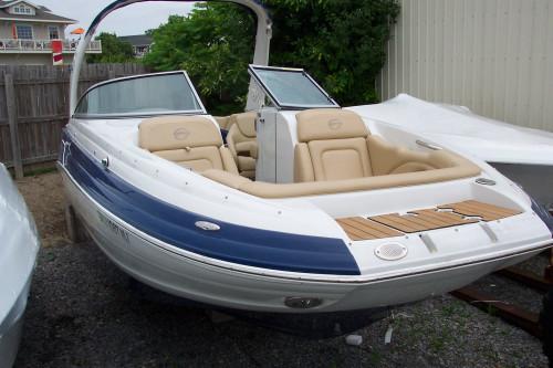 2012 CROWNLINE E6 26' DECK BOAT W/ 350 MAG MPI BRACO III I/O