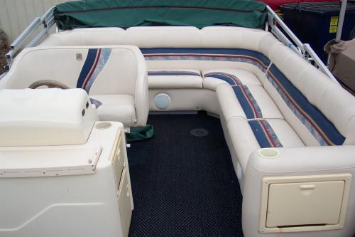 1998 26' PREMIER PONTOON BOAT W /90HP MERCURY 2-STROKE O/B