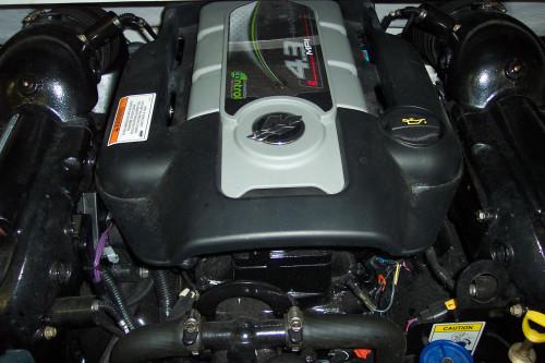 2013 CROWNLINE 195 SS OPEN BOW W/ 4.3L MERC V6 MPI I/O & 2016 VENTURE TRAILER