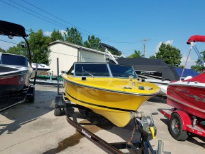 1978 CHRIS CRAFT SUPER SPORT 18' SKI BOAT W/MERC 305 I/B & TRAILER