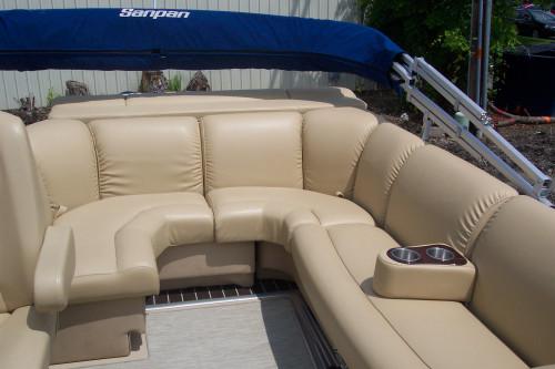 2013 25' SANPAN PONTOON BOAT W/ 135HP EVINRUDE E-TECH O/B