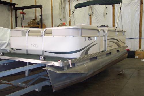 2007 18' MANITOU AURORA PONTOON BOAT W/ 40 HP EVINRUDE O/B