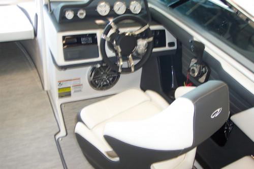 2017 REGAL 2300 RX W/ VOLVO V8 350 DP