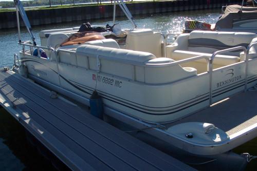 2006 BENNINGTON 2050 GL W/ YAMAHA F60 4-STROKE O/B