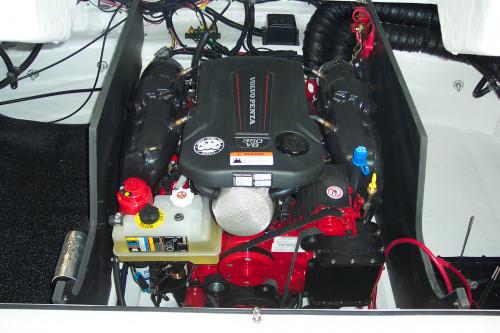 2017 REGAL22' FASTDECK W/ VOLVO V6 240 DP I/O