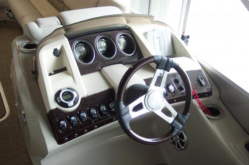 NEW 2014 BENNINGTON 2575 RCW BAR W/ F300 YAMAHA 4-STROKE O/B