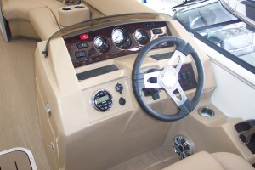 2015 CROWNLINE BOWRIDER B21 W/ 4.3L V6 I/O & TRAILER