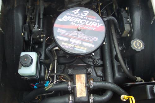 2000 CROWNLINE 182 BR W/4.3L V6 MERC I/O