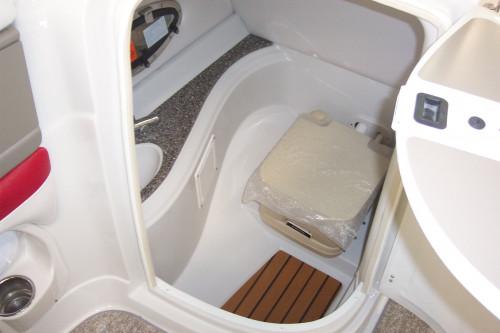 2012 CROWNLINE E2 DECKBOAT W/ 5.0 MPI MERC V8 BRAVO III I/O