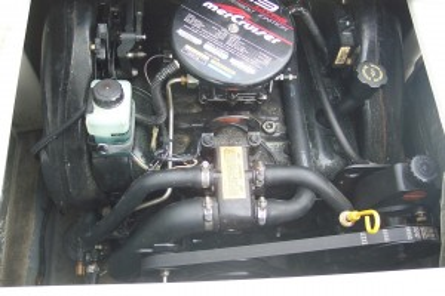 CROWNLINE 202 BR W/ 4.3L V6 MERC I/O
