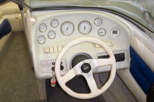 1995 CROWNLINE 202BR W/FRESH 5.0L V8 MERC I/O!!!!!