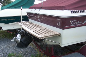 1985 CELEBRITY 19' CUDDY CABIN W/ TRAILER