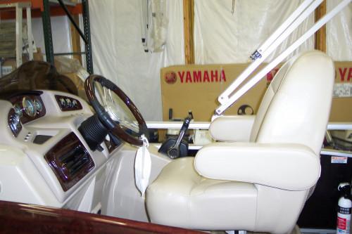 2012 BENNINGTON 22 GCW TRI-TOON W/ YAMAHA F115 4-STROKE O/B
