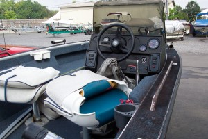 1992 LOWE ALUMINUM FISHING BOAT W/ 60 HP JOHNSON O/B & TRAILER