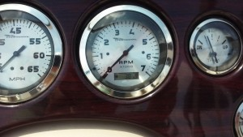 2000 CHAPARRAL 200 SSE OPEN BOW W/ 4.3L MERC V6 I/O & TRAILER