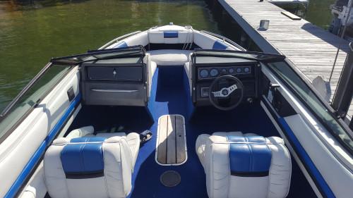 1986 WELLCRAFT 215 ECLIPSE OBEN BOW W/ 5.7L MERC V8 I/O & TRAILER