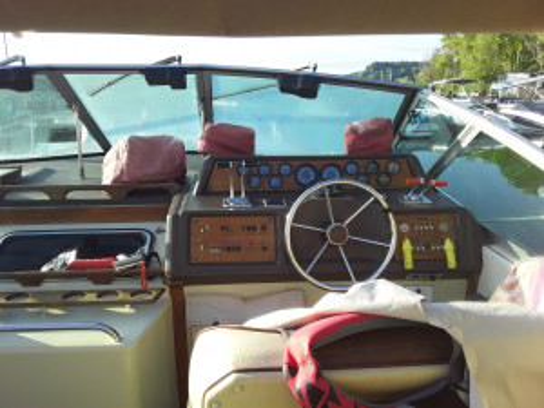 1986 SEA RAY 340 SUNDANCER CRUISER W/ MERC V8 I/O