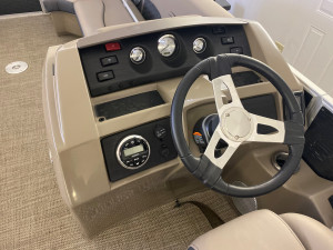 2019 REGAL 29 OBX  W/ TWIN YAMAHA F250 4-STROKE O/B'S & TRIPLE AXLE VENTURE TRAILER