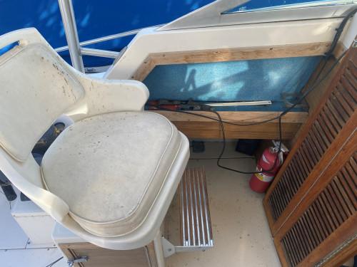 1986 GRADY WHITE SAILFISH 25 WALK AROUND CUDDY CABIN FISHING BOAT W/ 5.7L MERC I/O & TRAILER