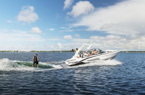 2018 REGAL  25 SURF  w/VOLVO V8 350 FWD CATALYST EVC G5
