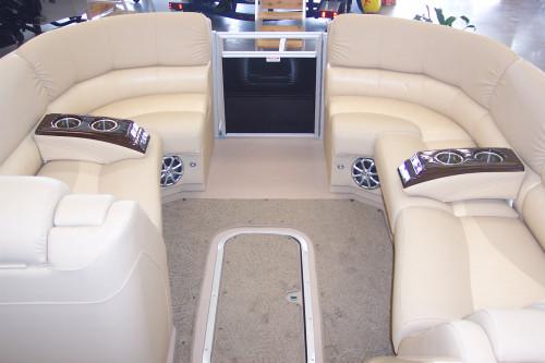 2011 BENNINGTON 2575 QCW