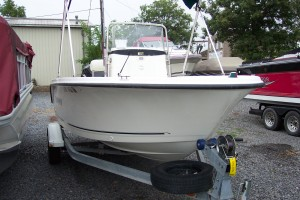 2007 TROPHY CENTER CONSOLE W/ 90 HP MERCURY O/B & TRAILER