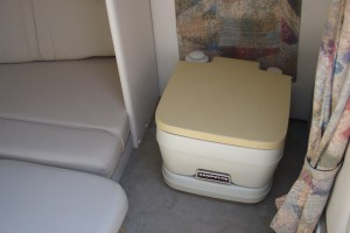 2003 CROWNLINE 215 CCR