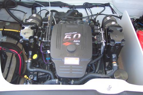 2006 CROWNLINE 220 LS W/ MERC 5.0L MPI I/O & TRAILER