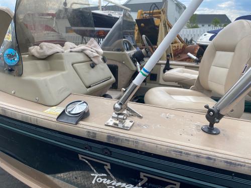 1997 LUND 1900 PRO-V SE BASS BOAT W/ 2012 E-TECH 150HP HO O/B & 2017 CUSTOM TANDEM TRAILER