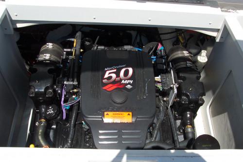 2003 CROWNLINE 208 LX
