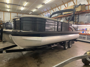 2019 BENNINGTON 23SBRXP W/ YAMAHA F250 O/B AND YA/CL TANDEM TRAILER