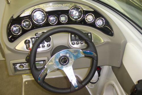 2010 CROWNLINE 240 LS