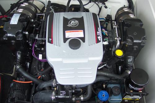 2010 CROWNLINE 210 LS